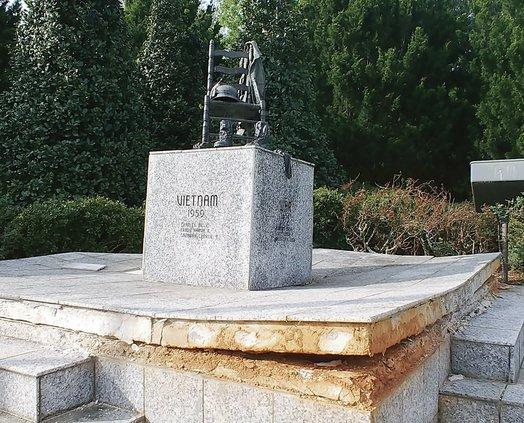 Cumming Veterans War Memorial 1 041919 web